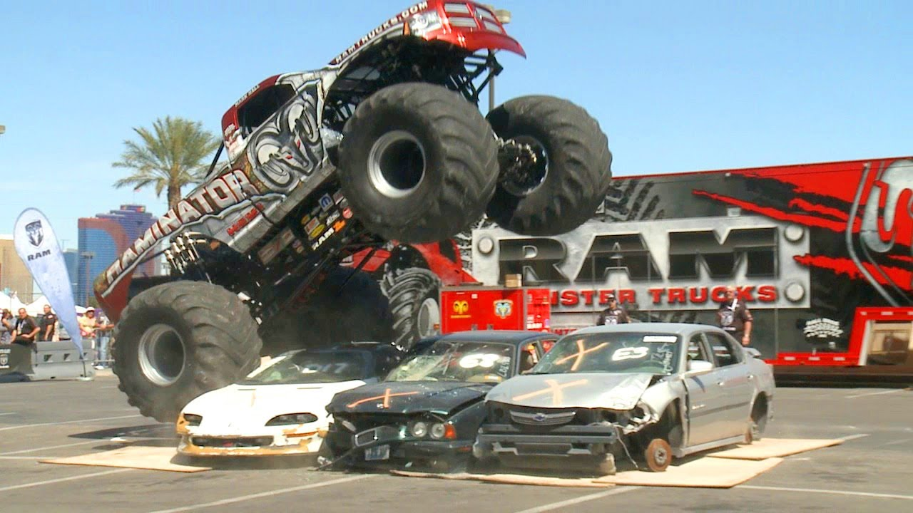 Dodge Ram Raminator 2 000 Hp Monster Truck At Acm Awards Youtube