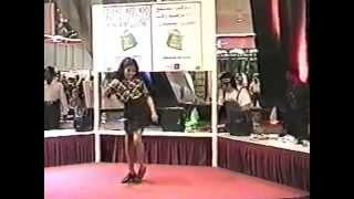 Sona Kitna Sona - Year 1999- talented student of Indigo Dance Academy performs in Dubai mall