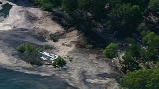 Giant sinkhole opens up on Australia beach