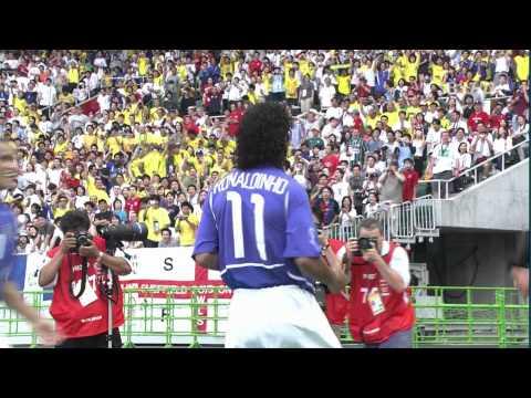 Ronaldinho amazing free kick goal Brazil - England WC 2002