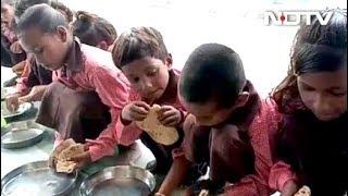 Under Flagship Nutrition Scheme, UP Schoolchildren Seen Eating 'Roti' Salt