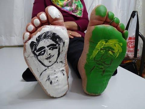 Aysenin Ayaklarini Boyadim Gidiklandi Foot Paint Challenge Youtube