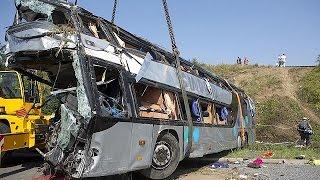 Almanya'da Trafik Kazası: 9 ölü