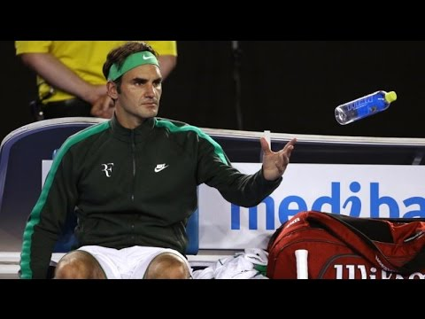 Roger Federer has knee surgery after loss to Novak Djokovic