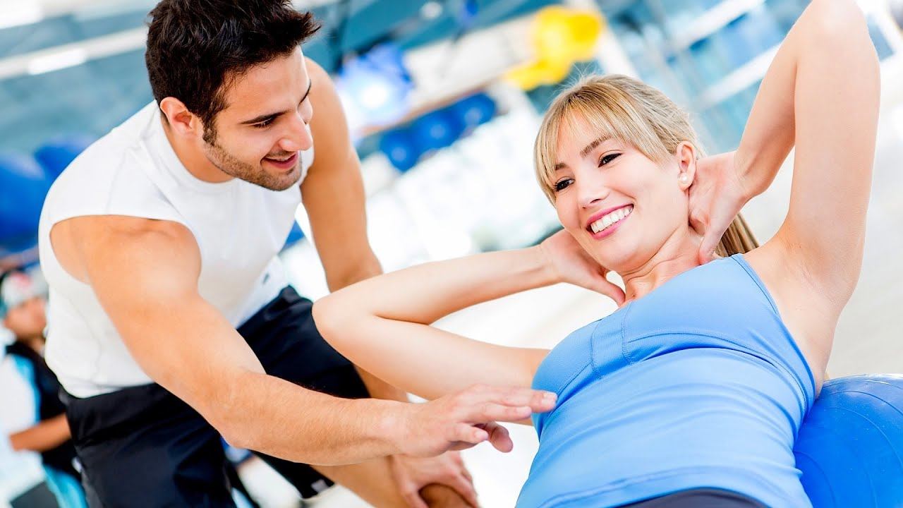 How to flirt with a guy at the gym