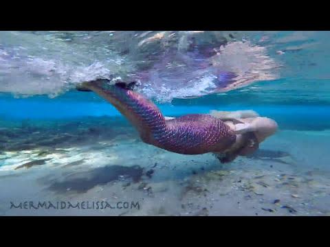 Mermaid Melissa - Magical Rainbow Reflecting Mermaid Tail!