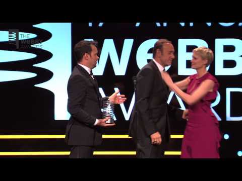 Robin Wright Presents Kevin Spacey & Dana Brunetti w Special Achievement at the 17th Annual Webbys