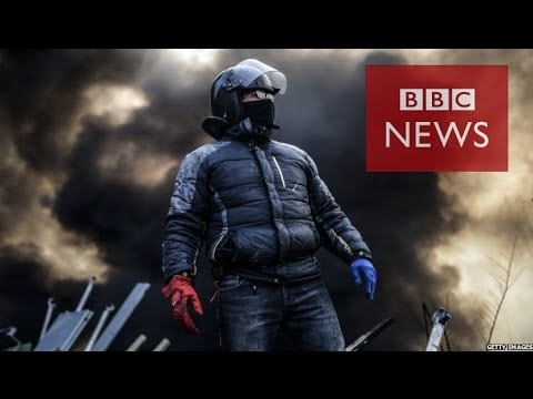 Ukraine Protests: 'Sniper' fires from Ukraine media hotel - BBC News