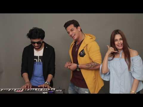 Prince Narula & Yuvika Chaudhary Singing Live | Hello Hello | MissMalini