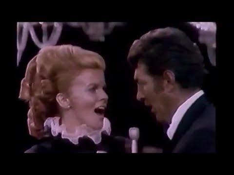 Dean Martin & Ann-Margret - Medley - LIVE