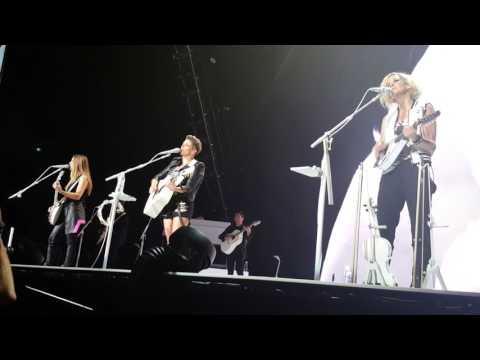 1st Melbourne Dixie Chicks concert - LANDSLIDE 01/04/17