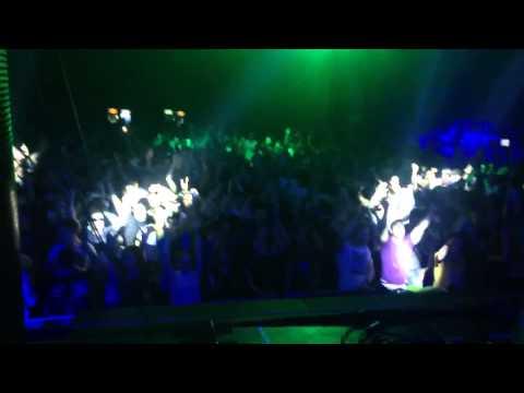 SASHA CARASSI @ METROPOLIS playing The YellowHeads -  Give me a chance (Original Mix) soon in Phobiq