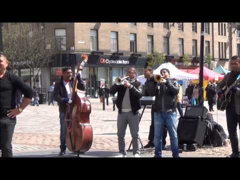 Live Street Music In Dundee