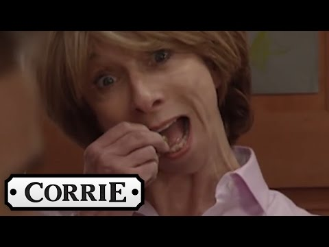 Gail Loves Olives - Coronation Street