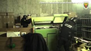 Repeat youtube video Illegális dohánygyár leleplezése Nádszegen (2013. 4. 16.)