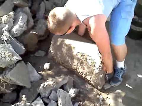 Lifting a big rock