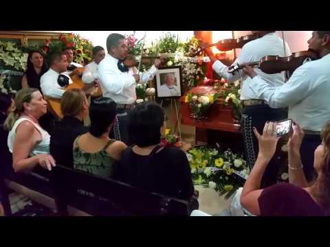 FUNERAL DE RUBEN AGUIRRE EL PROFESOR JIRAFALES ES DESPEDIDO CON MARIACHI Y CANCION DEL CHAVO