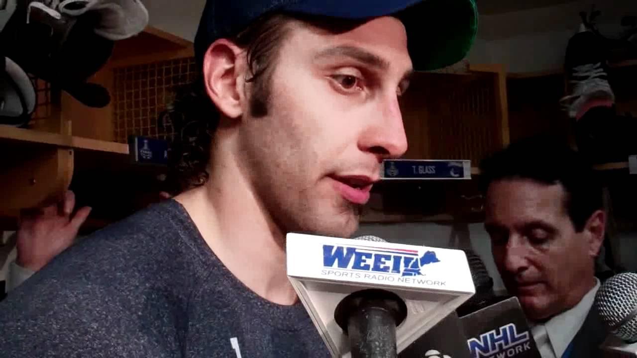 June 7 2011 Roberto Luongo En Francais Vancouver Canucks Stanley