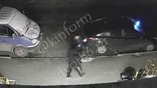 Ночью хулиган повредил Тойоту на Комсомольском, в Сургуте