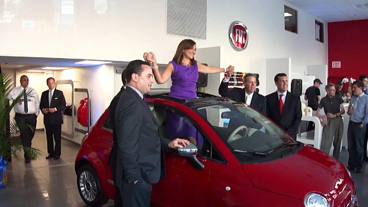 Fiat Of Manhattan >> Laura Soave Head Of Fiat At Fiat Of Manhattan Grand Openin