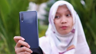 Download Video Review Samsung Galaxy A7 (2018) MP3 3GP MP4