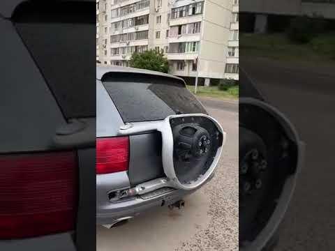 Дерзкое преступление в Москве: Порш Каен ободрали как липку!