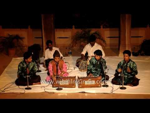 Yusuf Khan Nizami singing in both the Sufi and Qawwali styles