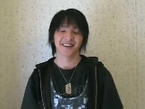 Masato Uchiyama (Kageyama / Punch hopper / Thebee) does an interview for Kamen rider Kabuto