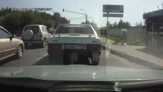 Пьяный велосипедист / Drunk cyclist(Самые смешные и интересные видео Вконтакте: http://vk.com/profeed., 2012-08-04T14:34:36.000Z)