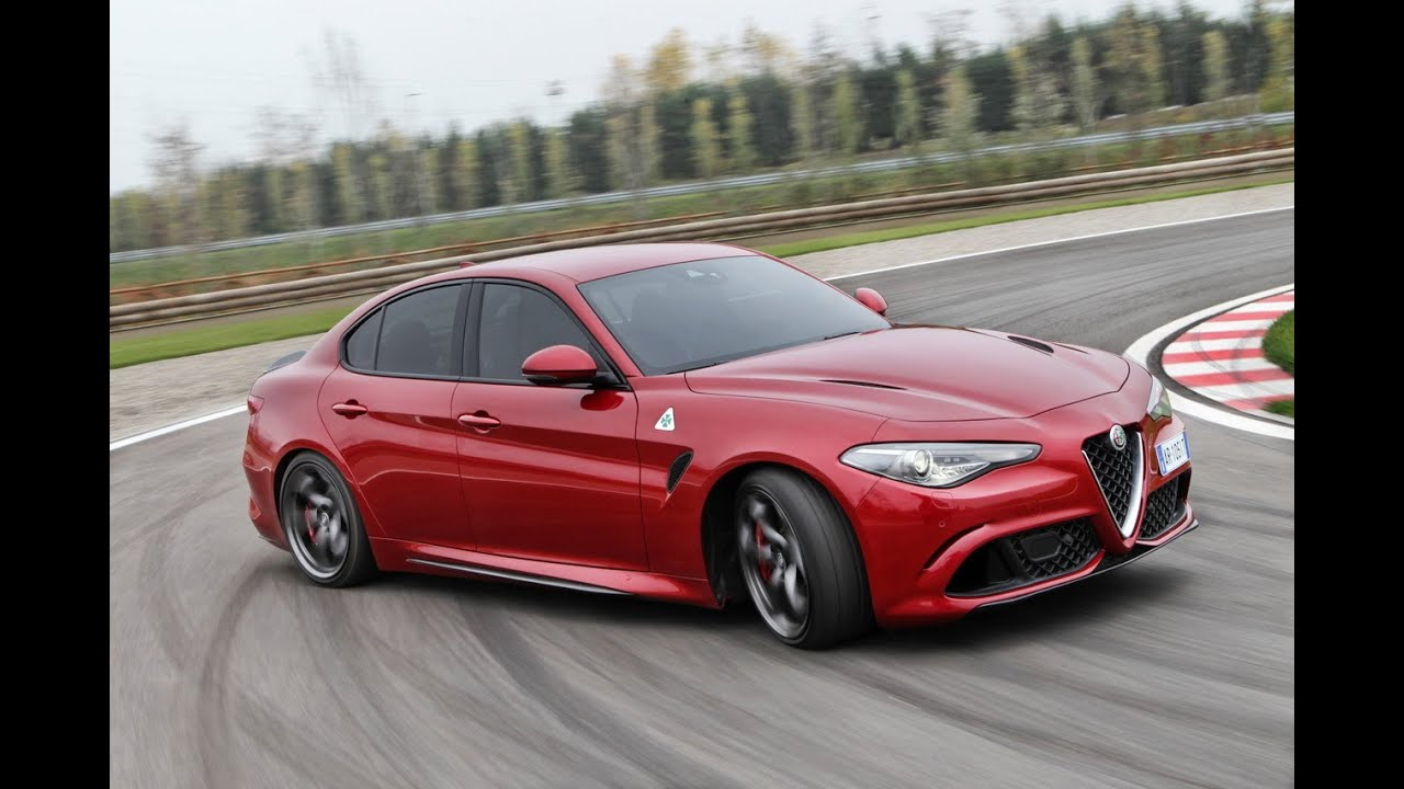 alfa romeo giulia quadrifoglio premier contact sur circuit youtube