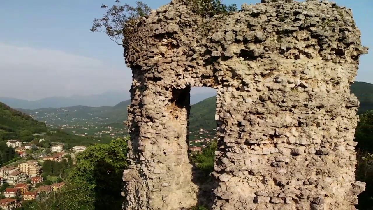 Castello San Martino Monteforte Irpino - YouTube