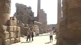 Внутри города Мертвых (Египет)