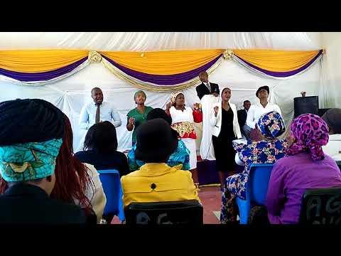 Nondaba ft Ncandweni song... North chrest choir