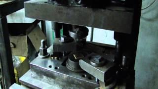 Изготовление значков(Технология изготовления значков. http://znachki.vts.ua/, 2013-12-05T12:26:58.000Z)