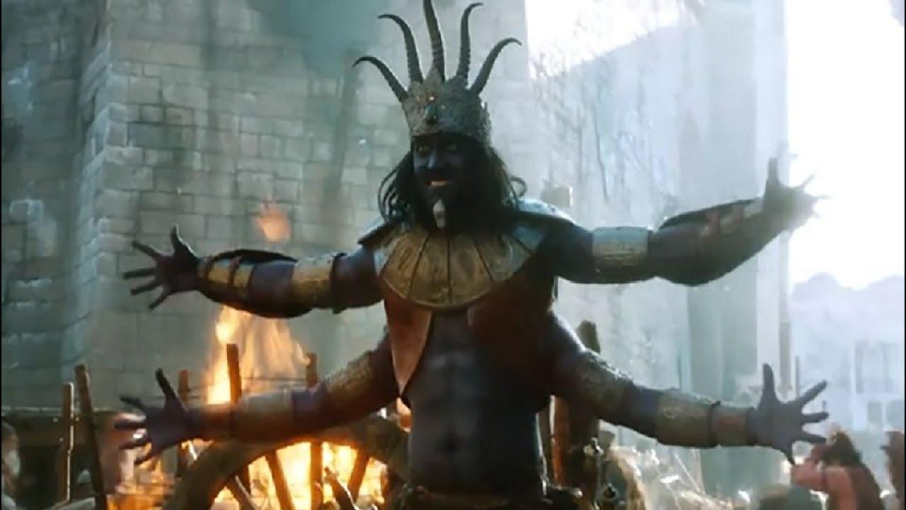 驱魔师把百米长的巨龙当女友,为泄愤将其关进地牢数十年