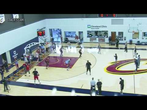 2016 NBA Training Camp: Cleveland Cavaliers Defensive Closeout Drill