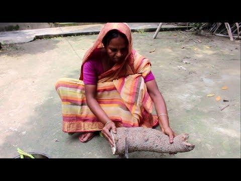 Village Food | Traditional food taro paste | Man kochu vorta | Grandmother recipes-95