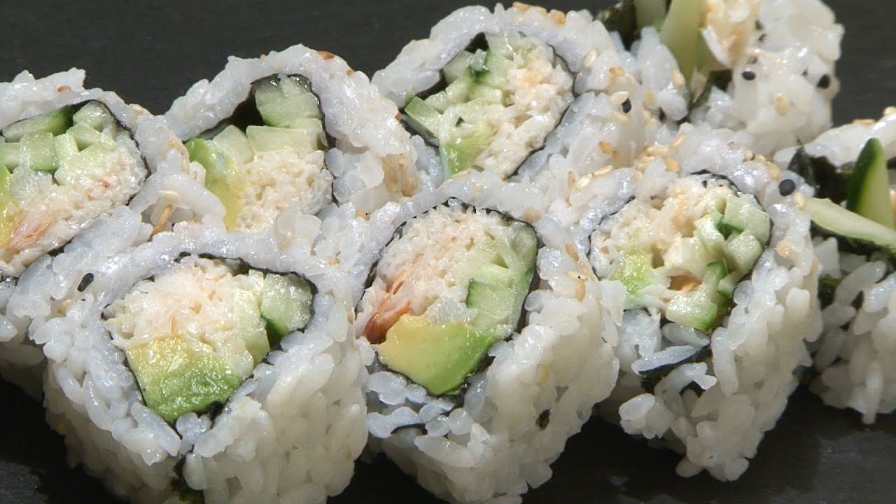 Como Preparar California Roll How To Make California Roll Clases De Sushi En Valencia Youtube