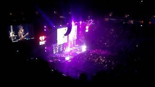Halsey ft G-eazy - No Limit/Him And I Jingle Ball San Jose 2017 (bad sound and video)