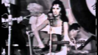 Wanda Jackson   Pick me up on your way D...