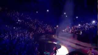 Robbie Williams - Candy Live At The O2
