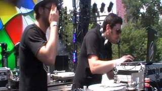 Ancient Astronauts & DJ Manny - Worldwide Part 1 (live @ Lollapalooza 2010)