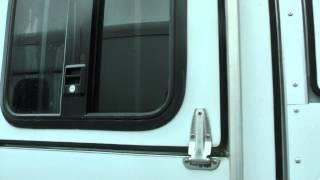 Used 2009 Sundowner Sunlite 727 Horse Trailer For Sale