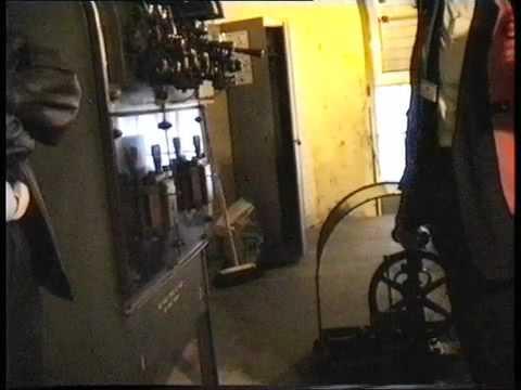 Aldwych Tube Station Lift  (elevator)