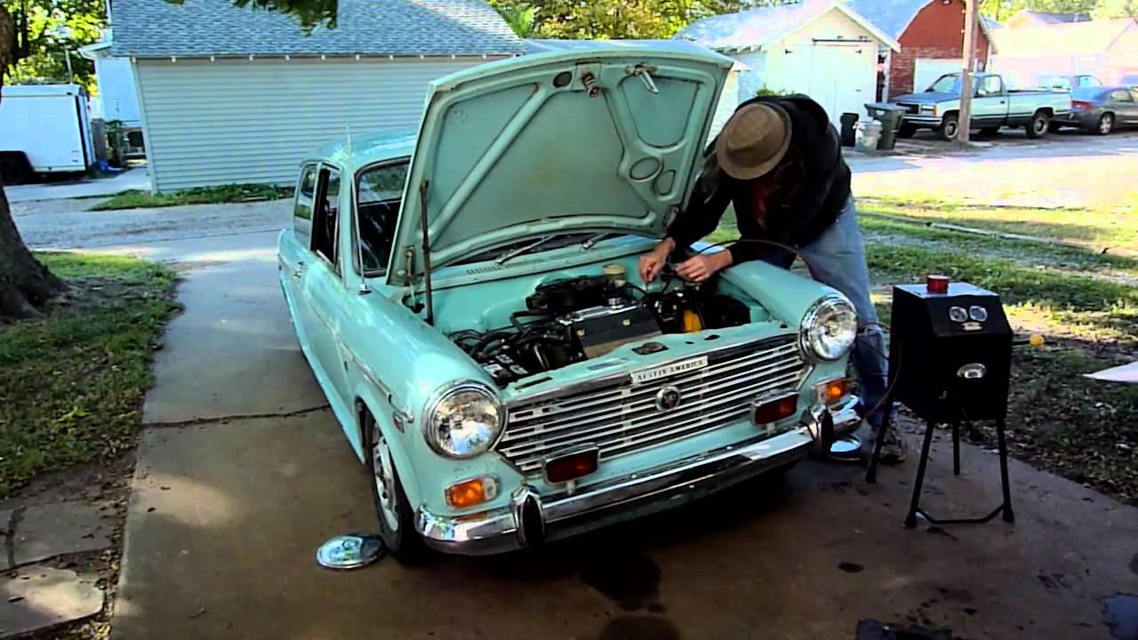 Used Cars Austin >> Changing Hydrolastic Fluid on a 1970 Austin America - YouTube