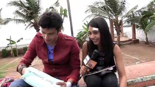 Parth and Niti aka Manik and Nandini Receive Gifts from Fans - PART 01