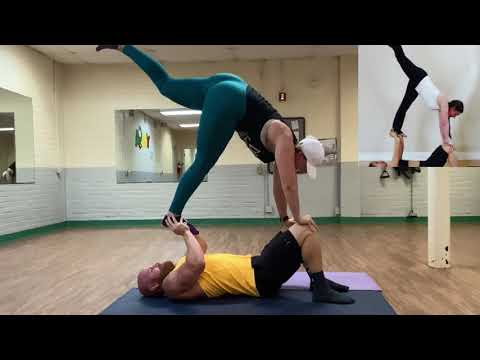 couples-yoga-challenge-with-my-thicc-wife.
