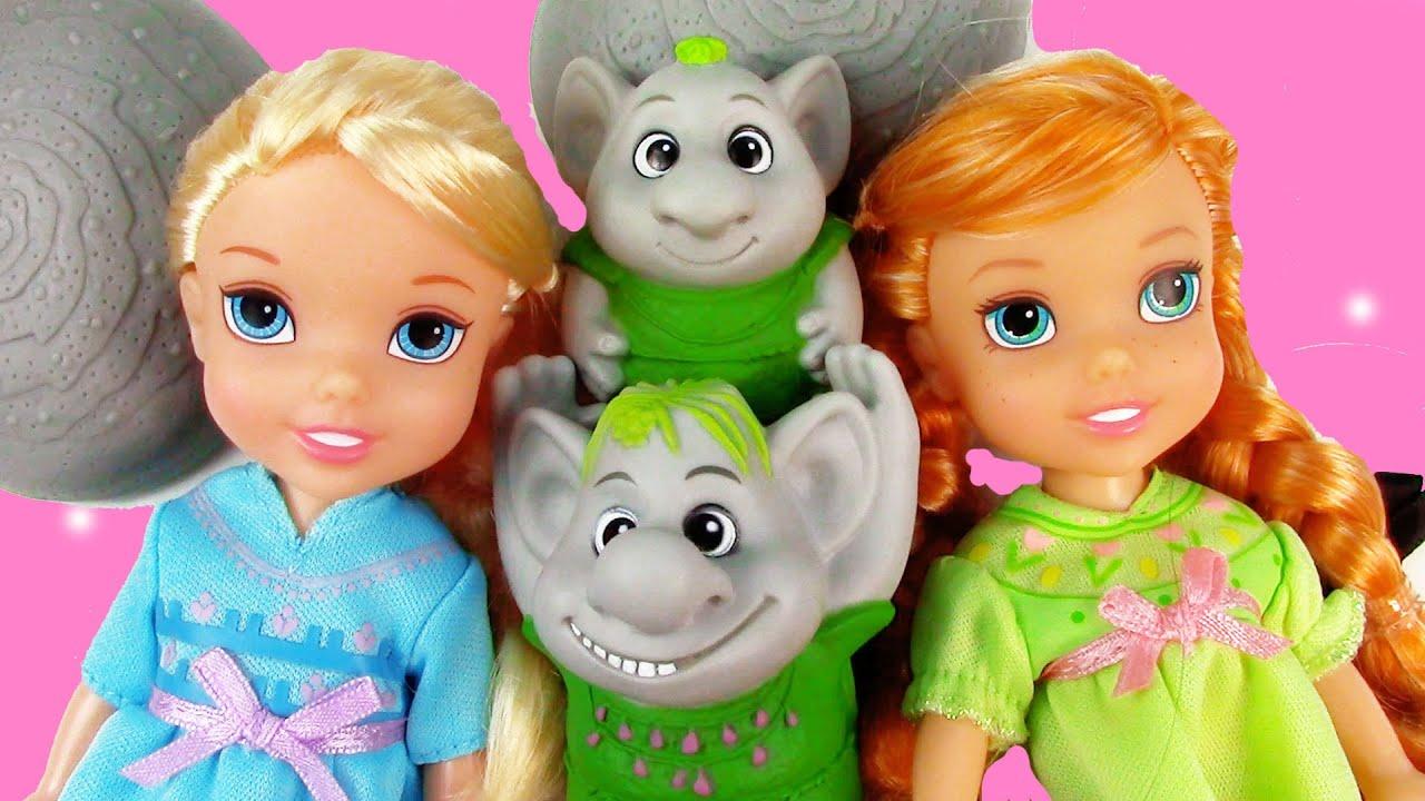 Disney Frozen Queen Elsa Princess Anna Petite Surprise