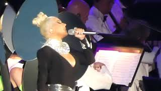 Christina Aguilera - Genie in a Bottle (Hollywood Bowl, Los Angeles CA 7/16/21)