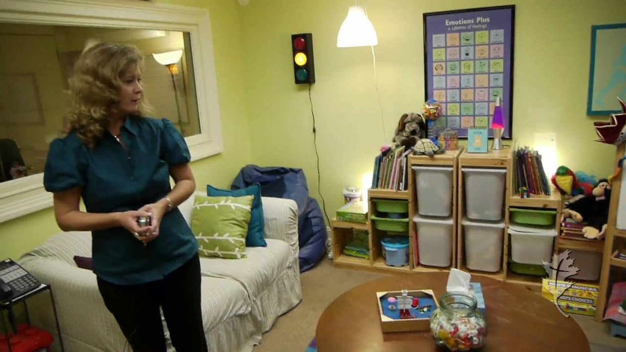 Julie Loweu0027s Office: A Great Environment For Counseling Children   YouTube